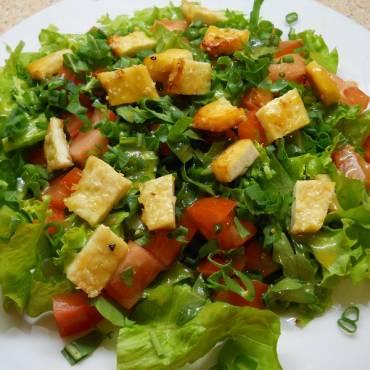 Medus salotas ilgiau išlaiko šviežias